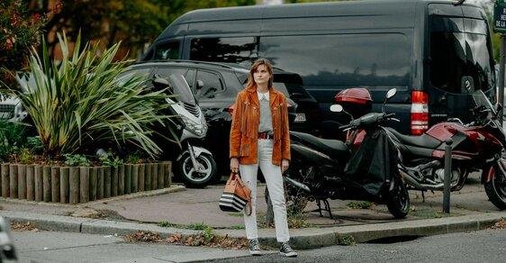 Inspirace z Instagramu: Vrací se světlé džíny, s čím je nosit letos?