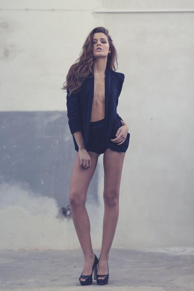 Modelka má dokonalou figuru.