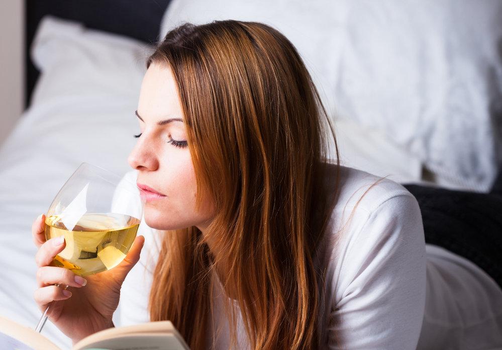 Dennodenní pití vína se může podepsat na vašich játrech.