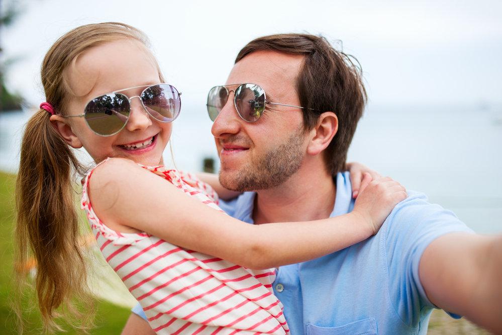 Už od dětství by měl táta svoji dceru učit, že ona je ta nejlepší ženská pod sluncem. (vyjma její mámy)