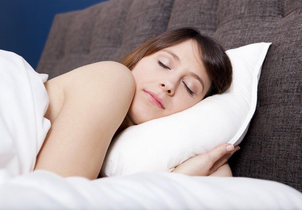 Tropický týden si zahrává i s kvalitou našeho spánku.
