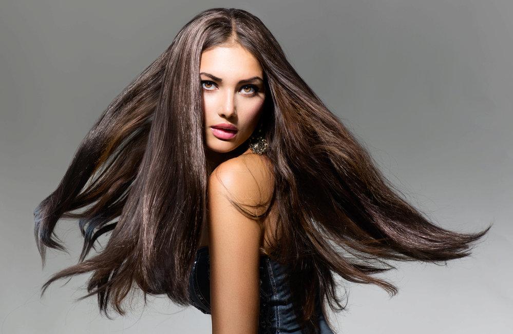 Co s dlouhými vlasy? Naučíme vás jednoduché účesy!