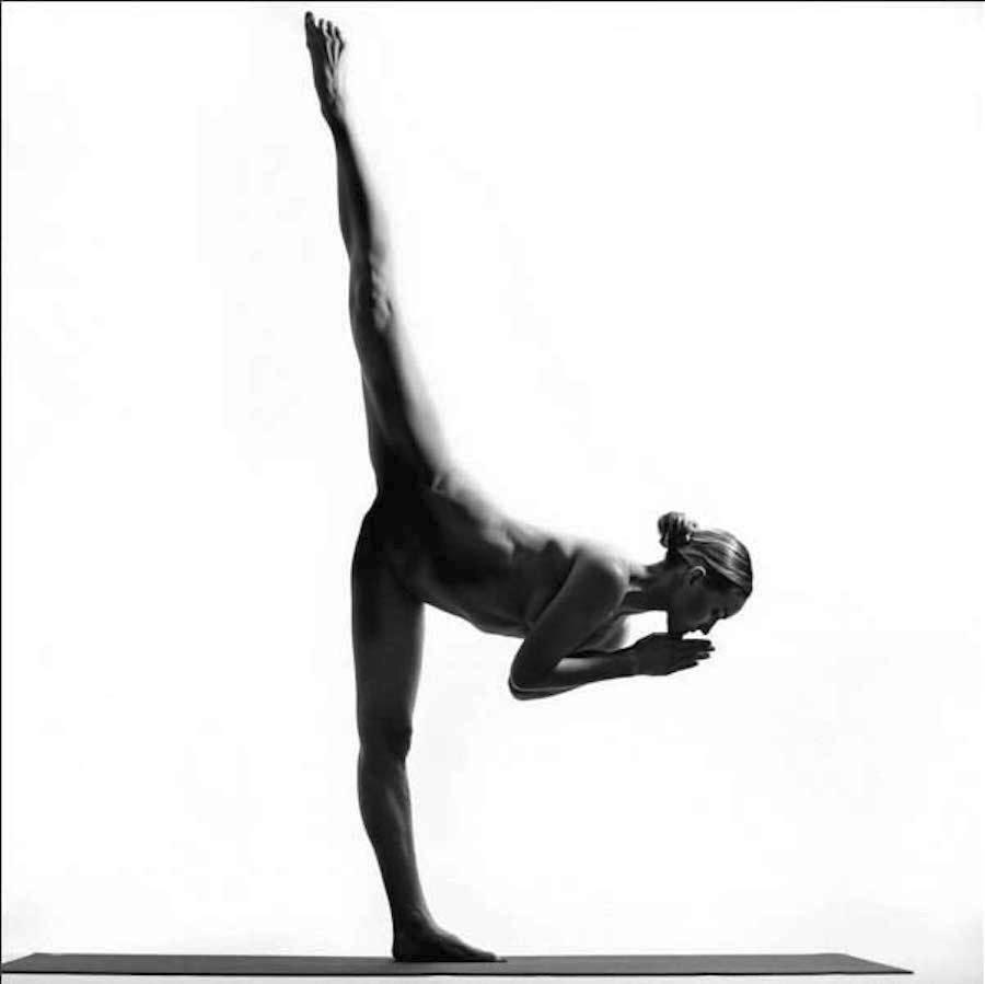 Černé nahé ženy obrázky