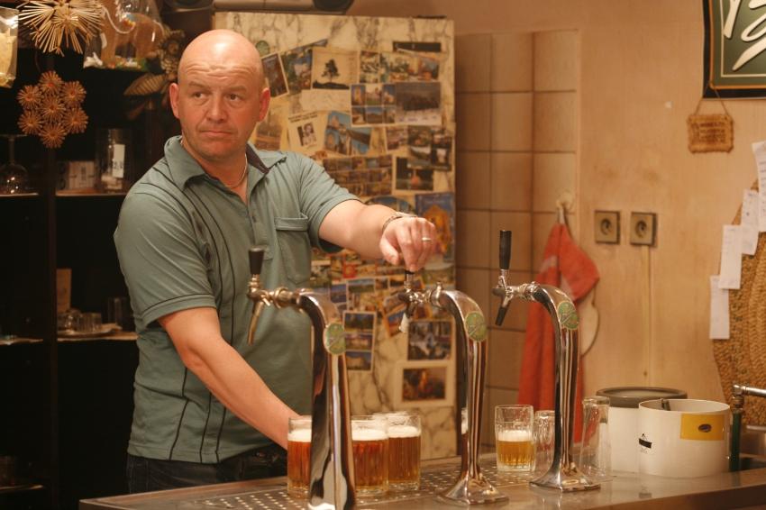 Jako majitel fotbalového klubu Matějka zářil v seriálu Okresní přebor.