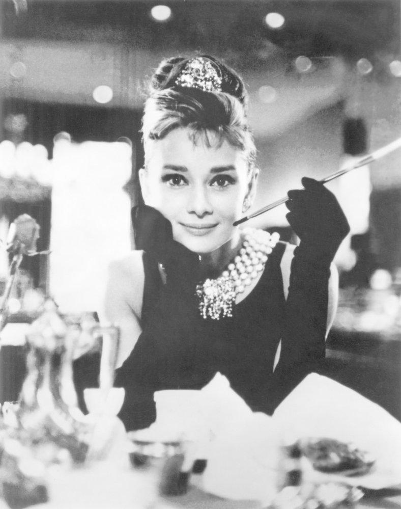 Herečka Audrey Hepburn byla ve Snídani u Tiffanyho nepřekonatelná