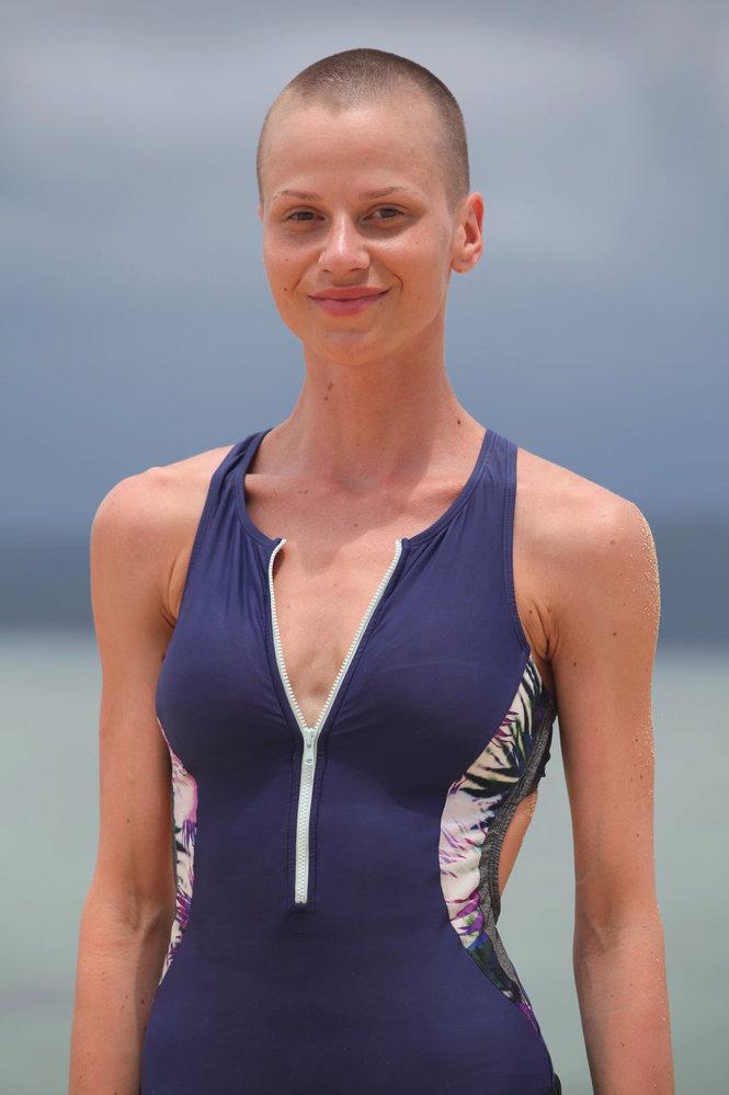 Niki v reality show Robinsonův ostrov.
