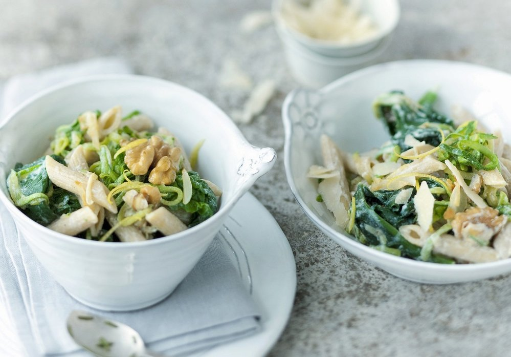 Těstovinový salát se špenátem