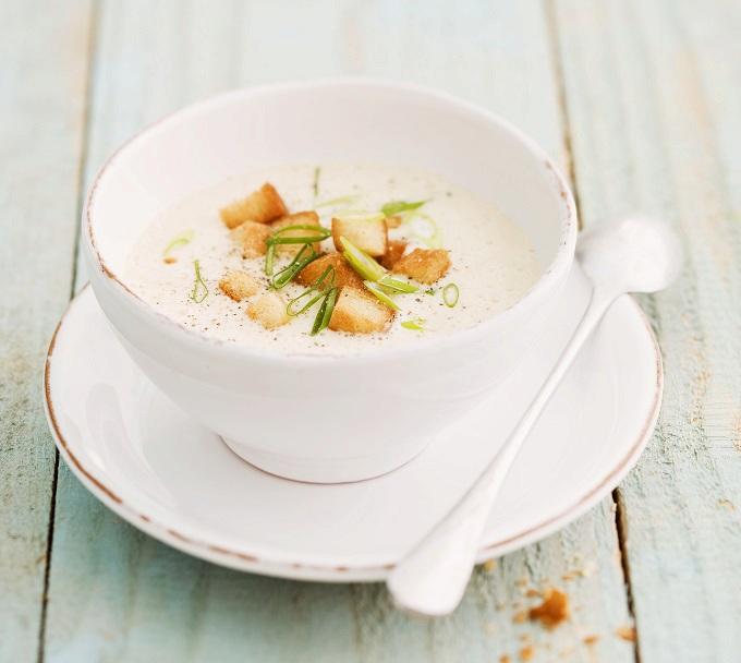 Mléčná polévka s jarní cibulkou