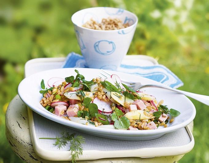 Chřestový salát s pšenicí a koprem
