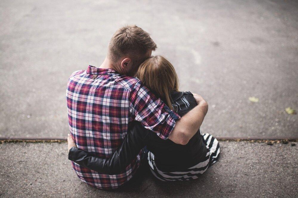 Objímejte se. Vždycky se někdo najde