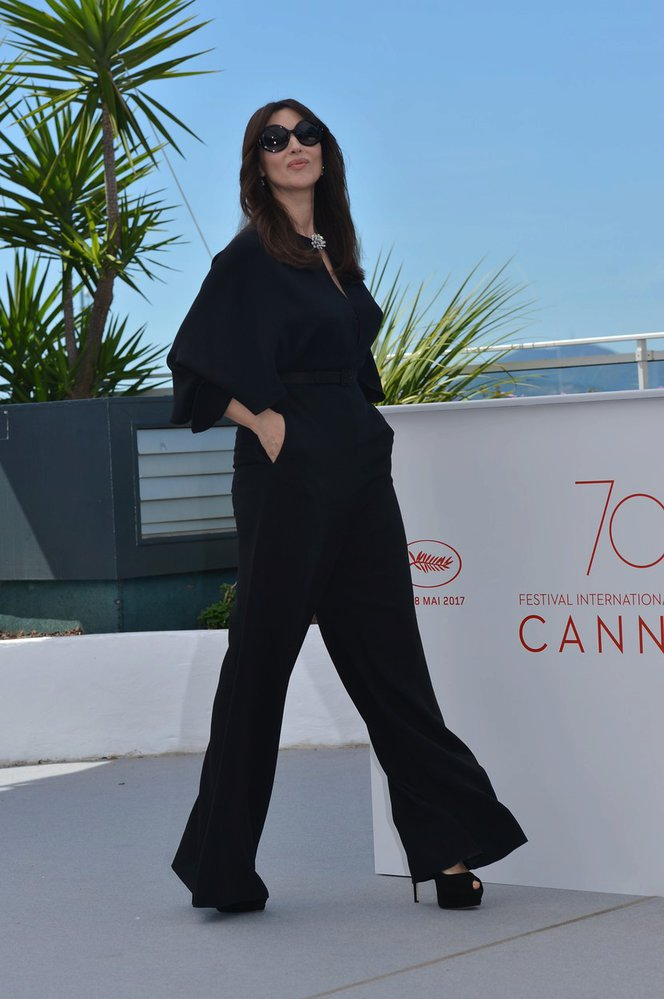 Monica Bellucci v Cannes
