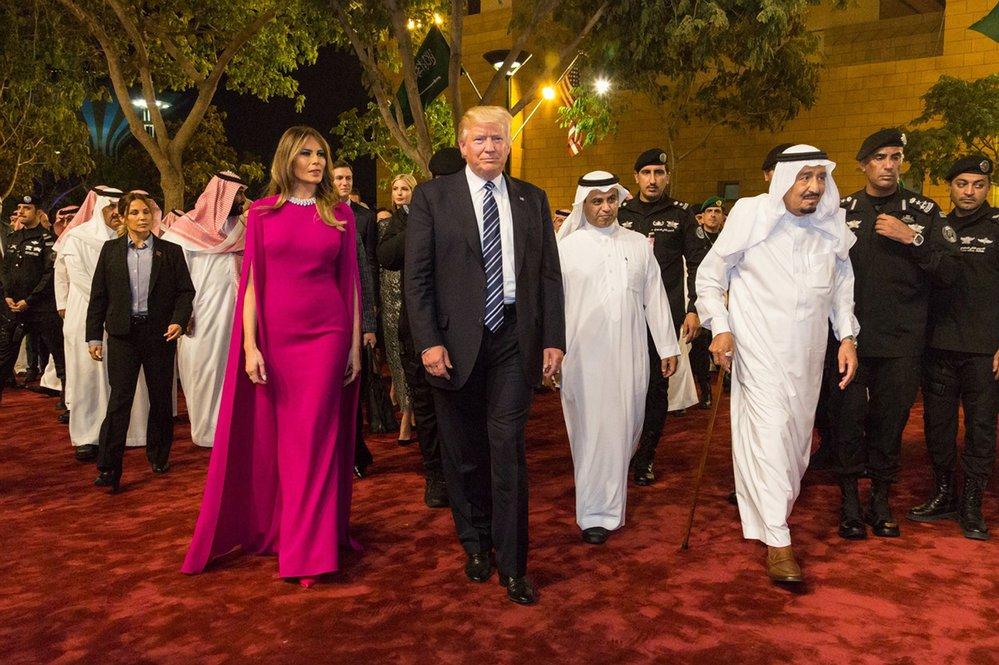 Donald Trump s Melanií na návštěvě Saúdské Arábie