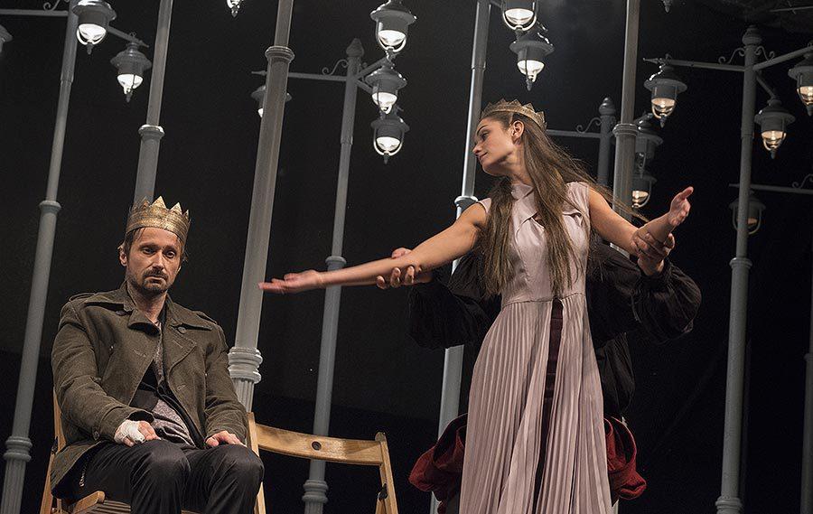 Veronika Macková ve hře Hamlet jako Ofélie