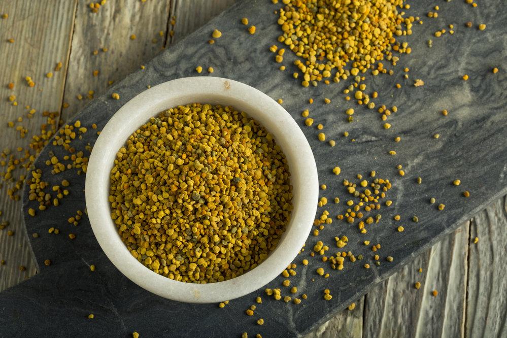 Včelí pyl: Díky pestré škále zdraví prospěšných látek je užitečný i jako doplněk při hubnutí, který dodává živiny a napomáhá správnému fungování metabolismu. Omezuje chuť k jídlu