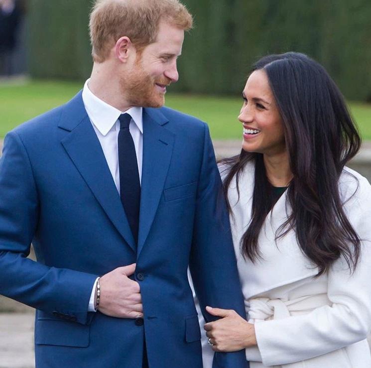 Oficiální fotografie Harryho a Meghan, které vznikly v den oznámení zásnub