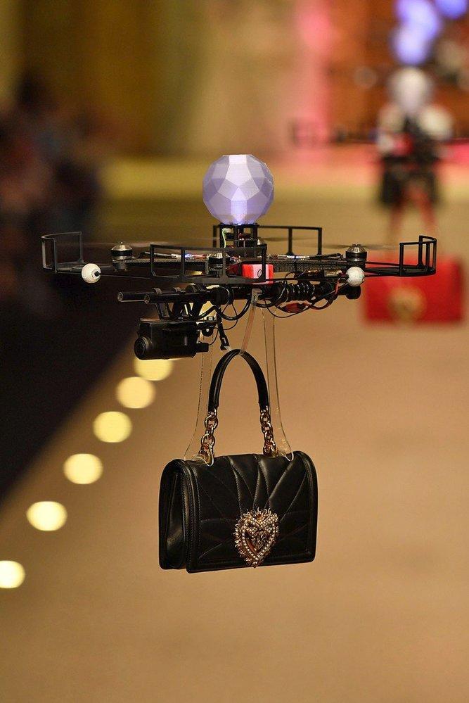 Drony na přehlídce Dolce & Gabbana