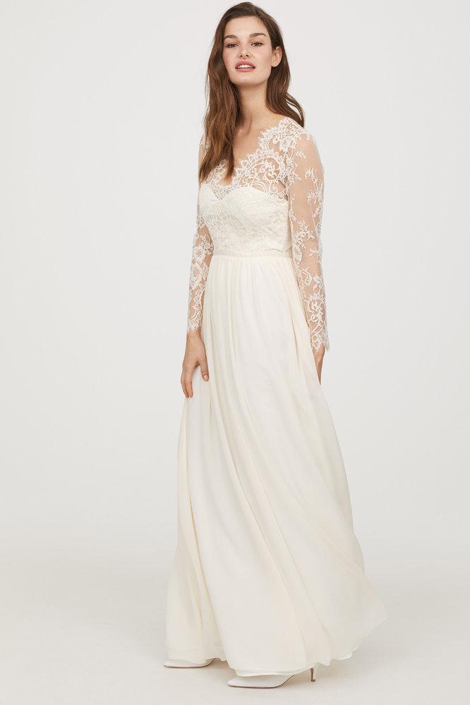 d45cdaa7e4f Svatební šaty z konfekce  Kde právě teď koupíte ty nejkrásnější ...