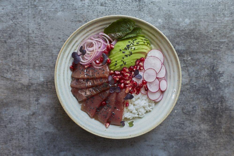 Pikantní miska s tuňákem
