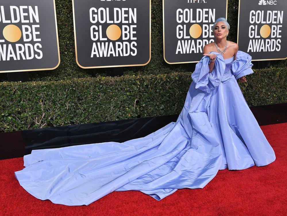 Lady Gaga v šatech Valentino Couture