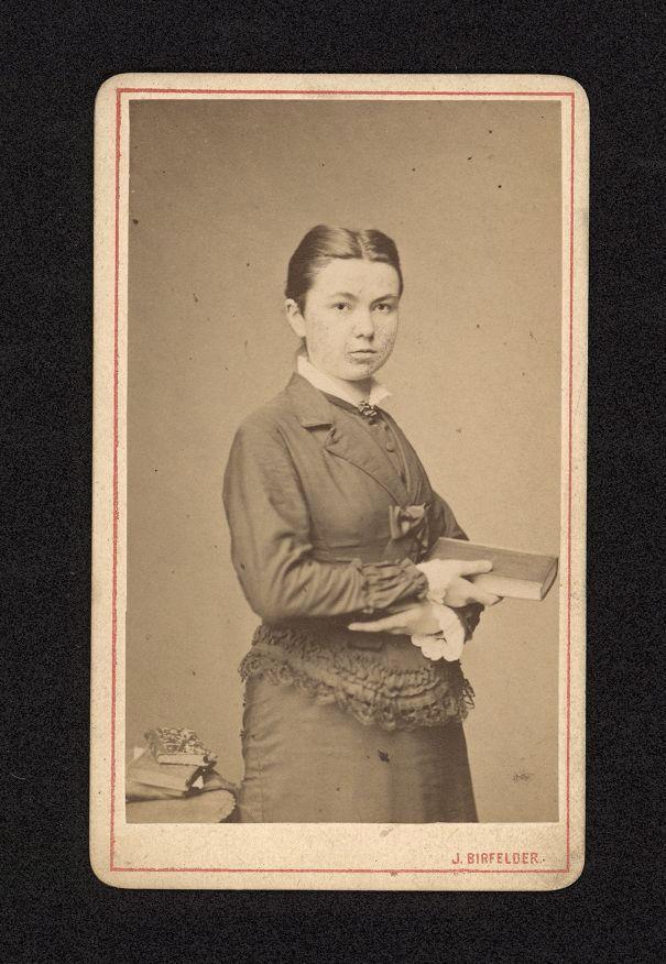 Anna Bayerová, ze sbírek Národního muzea