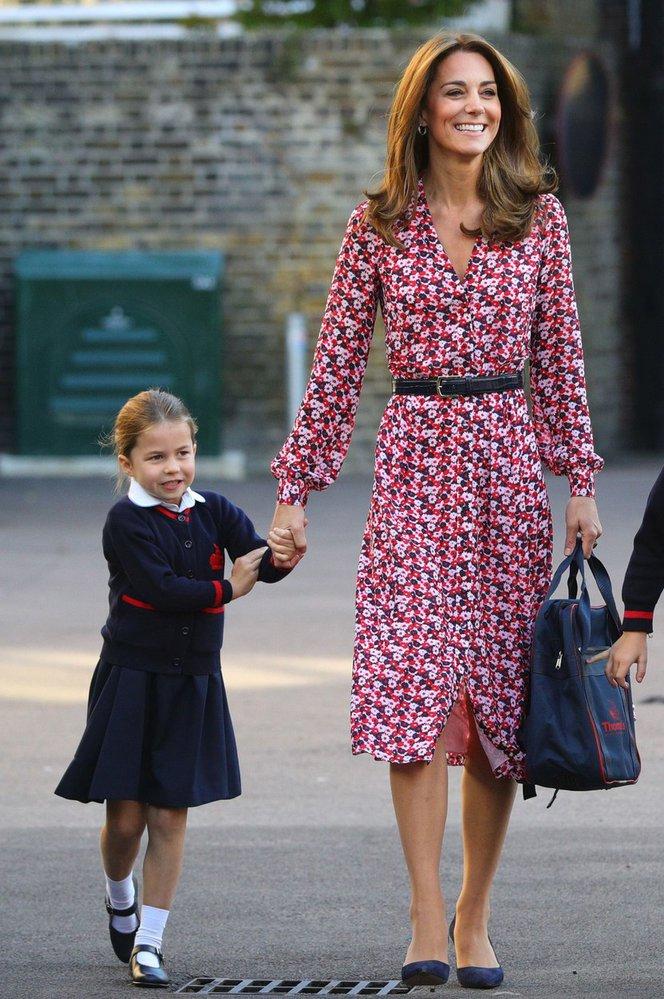 Vévodkyně Kate v šatech Michael Kors
