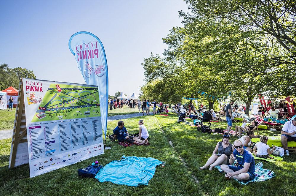 Takhle to vypadalo na minulých ročnících festivalu F.O.O.D. piknik. Pojďte na ten letošní!