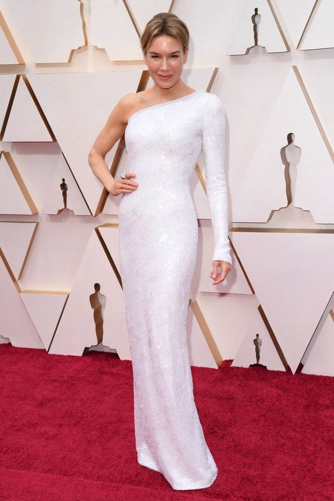 Renée Zellweger na Oscarech v šatech Armani Privé