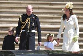 Počtvrté ve stejných šatech: Proč si vévodkyně Kate nekoupila na svatbu nové?