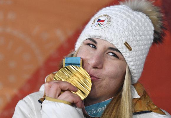 Ester Ledecká píše dějiny a má další medaili!