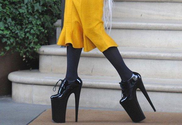 Nejnepohodlnější boty všech dob: Obula je Lady Gaga i Kim Kardashian!