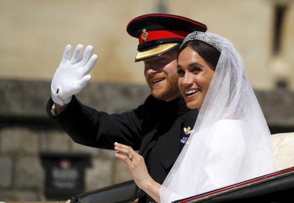 Princ Harry a Meghan Markle se vzali!