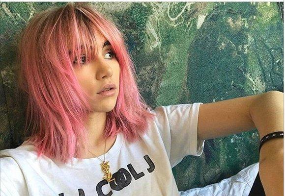 Barevné vlasy jsou letní hit: Obarvěte si je sama doma!