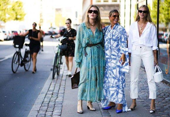 Móda z ulic Kodaně: Přehlídka trendy kabelek a nejkrásnějších maxi šatů