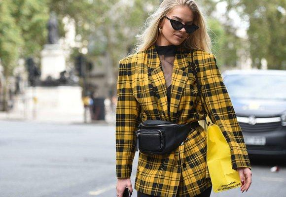 Móda v ulicích Londýna: Inspirace, jak nosit kostky, žlutou & trenčkoty