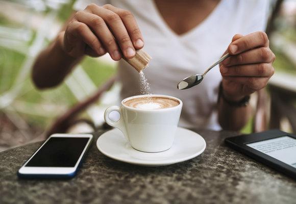 Závislost na sladkém: Proč toužíme po cukru a jak s tím skončit?