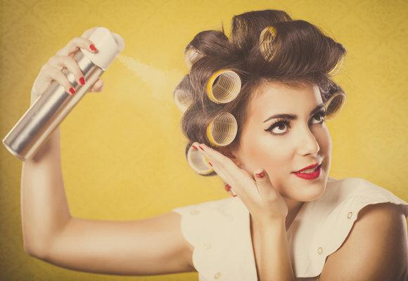 Testujeme v redakci: Který lak na vlasy zaručeně zafixuje váš účes?