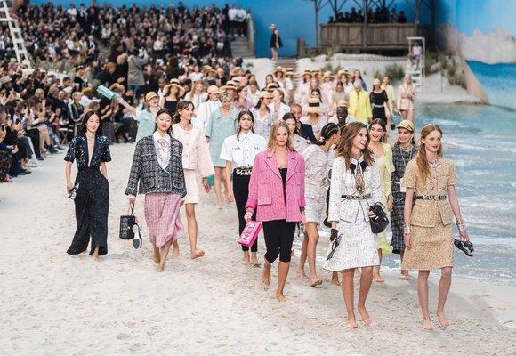 21 módních odstínů, které ovládnou letošní jaro a léto