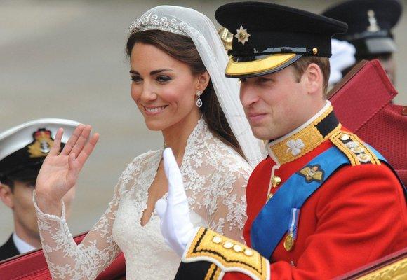 Nejkrásnější náušnice pro nevěsty. Víme, kde je pořídíte už od 240 Kč!