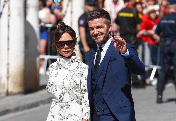 Oblíbené boty Victorie Beckham rozsvítí jakýkoli outfit. Inspirujte se!