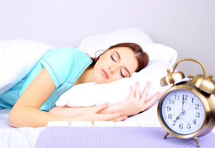 Proč jste celý den jako praštění? 4 nejhorší ranní návyky