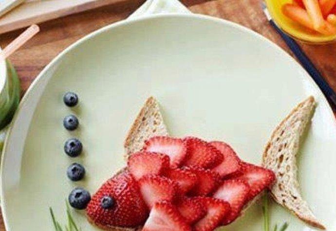Jahodové ryby či melounová srdce? Servírujte ovoce kreativně!