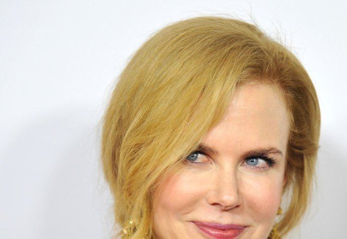 """I porcelánová kráska, jako je Nicole Kidman (49), bojuje se svými komplexy ohledně vzhledu. V touze vzepřít se času vyzkoušela botox, jak přiznala. Po první zkušenosti ale uznala, že nic podobného už zkoušet nebude. """"Jednou jsem zkusila botox, ale už nikdy víc. Alespoň už mohu hýbat svým obličejem,"""" řekla oscarová herečka."""