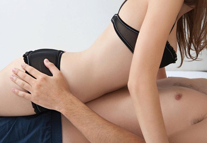 V poloze na koníčka si ženy řídí sex. Co se jim honí hlavou?