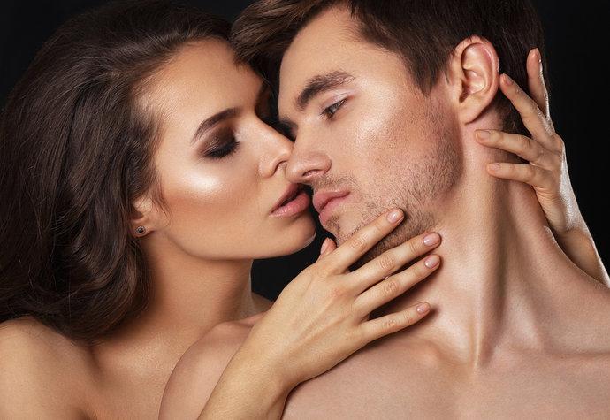 Když jsou muži k zbláznění zamilovaní, prozradí to na ně těchto 12 věcí…