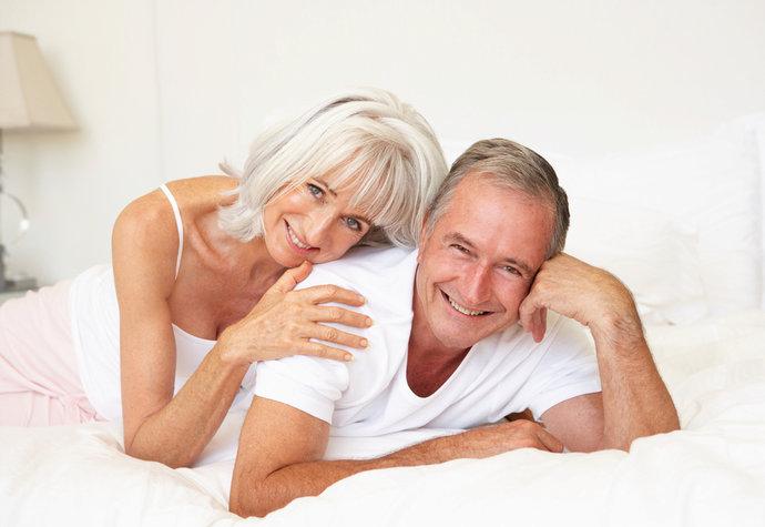 Co si ženy opravdu myslí o sexu se šedesátiletými muži? Na internetu se svěřily!