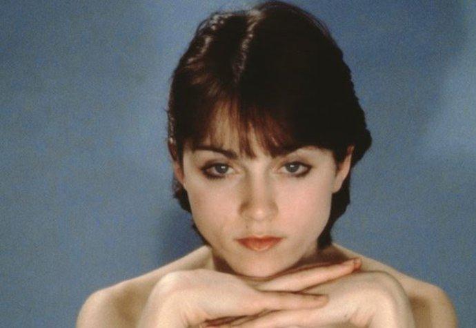 Fotografie tmavovlasé Madonny pochází z roku 1977