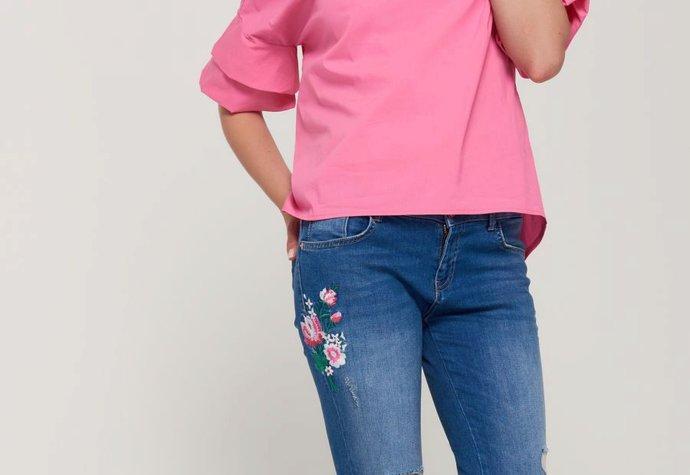 AVON Pochod  S čím letos kombinovat růžové tričko   947b6e01d8