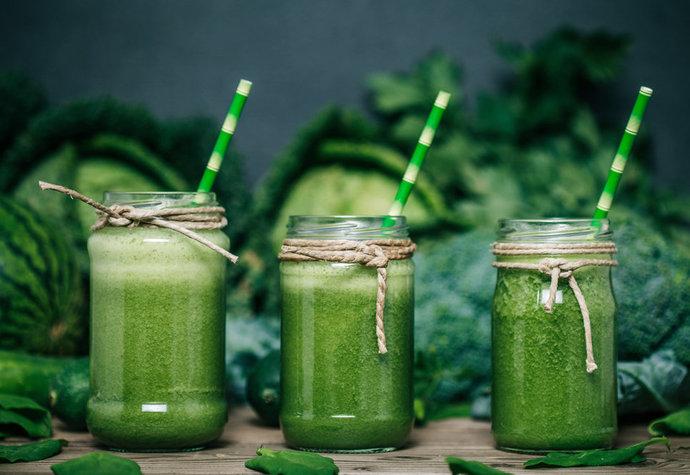 Zelená smoothie, která vám pomůžou lépe spalovat kalorie