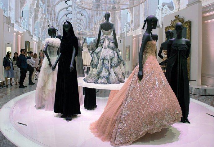 Plánujete výlet do Paříže? Nenechte si ujít největší módní výstavu všech dob
