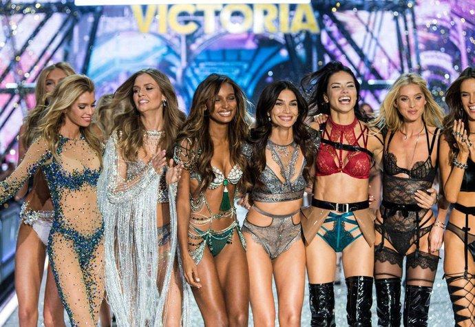 Casting Victoria s Secret  Které modelky měly letos štěstí a které ... c656a7b1fd